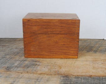 Vintage Index Card or Recipe Box Wood With Index Cards