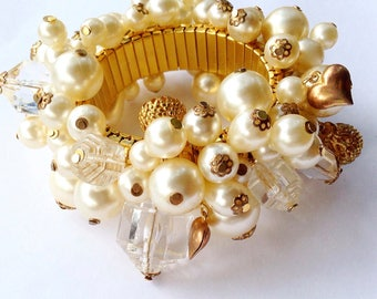 Salvador Dali Faux Pearl & Lucite Charm Expansion Bracelet Signed Vintage Fashion Designer Jewelry