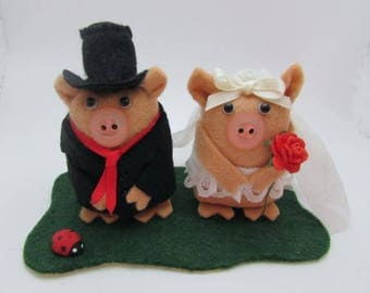 Wedding Pigs - Pig Wedding Cake Topper - Bride and Groom Pig - FULLY CUSTOMISABLE