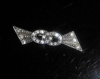 Art Deco Rhinestone Bar Double Ring Brooch, Vintage Pot Metal Small. Only 39.90