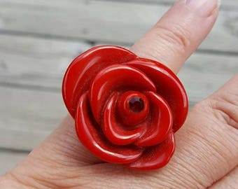 Vintage Red Rose Lucite ring size 7