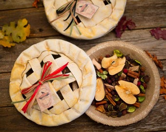 Country Primitive Potpourri Pies