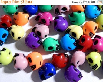 On Sale Acrylic Skull Beads - 13X9mm Assorted Halloween Skull Plastic Beads - 50 PC (INDOC52)