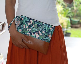 Flower and Leaves clutch purse, beach wedding bridesmaid gift, cosmetic pouch, make up pouch, wristlet clutch