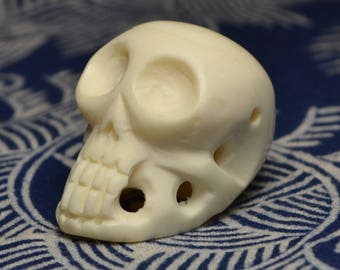 Tibetan Buddhist style skull pendant made of bone  OB117
