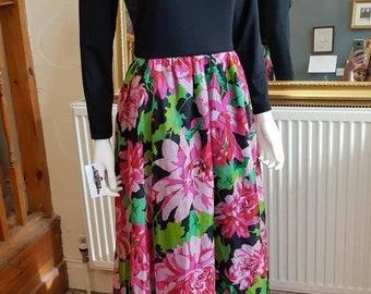 70s 1970s Floral Vintage Black Scoop Neck Maxi Dress M
