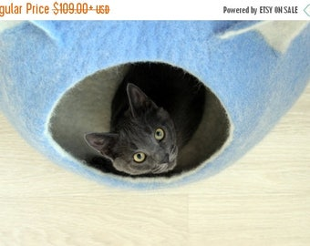 Cat bed - cat cave - cat house - eco-friendly handmade felted wool cat bed - sky blue and natural white - made to order - unique gift
