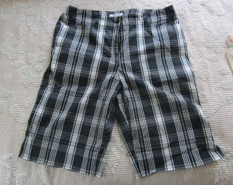 Womens Bermuda Shorts Black and White Plaid by Anne Klein Sport size 10 with Stretch