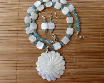 20 Inch Aquamarine and White Mother of Pearl Pendant Shell Necklace with Earrings