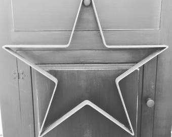 18 Inch Rusty Metal Star/Nursery or Baby's Room Star/Twinkle Twinkle Little Star/Farmhouse Rustic Home Decor Star