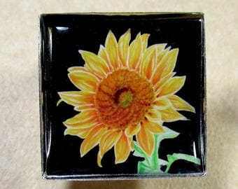 Sunflower Pin, Sunflower Brooch, Sunflower Lapel Pin, Sunflower Gifts, Sunflower Mom Gifts, Gifts with Sunflower, Pin with Sunflower