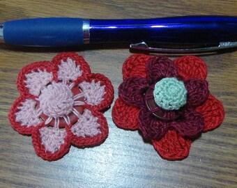 Button flowers #bf016 lot of 2 crochet appliques bouquet decoration adornment embellishment motifs wedding birthday
