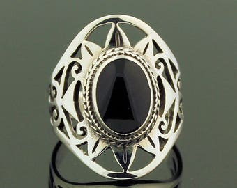 Black Onyx Ring // 925 Sterling Silver // Ring Size 7.5 // Handmade Jewelry