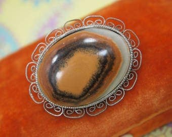"Vintage Agate Brooch / Pin - Polished Natural Agate Stone - Silver Plated Metal Filigree Frame - Delicate Styling - 1  5/8"" length"