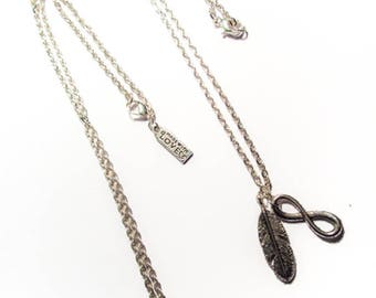 """Box set of 2 silver """"Best Friends"""" necklace"""