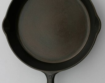 Vintage GRISWOLD Wagner Fine No. 9 Large 11 3/8 Width Top with Logo Cast Iron Skillet Fry Pan Professionally Cleaned Organically Seasoned