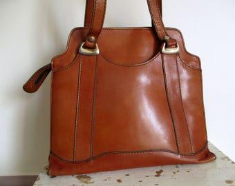 Vintage brown leather bag 1970s, Handbag, Shoulder bag, Sac épaule bandoulière