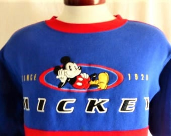 cute kawaii vintage 90's Mickey Mouse color block red blue fleece graphic sweatshirt embroidered mickey mouse logo crewneck  pullover medium