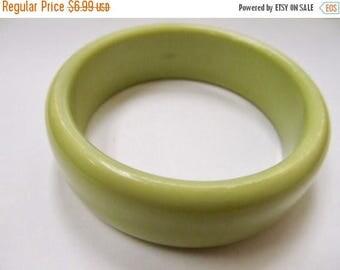 ON SALE Vintage Sage Green Plastic Bangle Item K # 2408