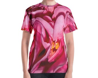 Camellia Close Women's T-shirt