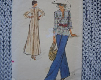 vintage 1970s Vogue sewing pattern 8858 misses top and dress size 10