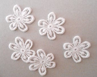 5 lace flowers for your 2,7 cm creations