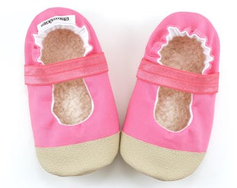 pink mary janes, pink baby shoes, vegan moccs, soft sole shoes, toddler slippers, rubber soles, rubber toes, outdoor moccs, slip proof shoes