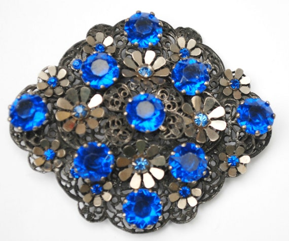 Large Blue Rhinestone  Brooch -  Flower floral - silver grey Gun metal - Lucite - Diamond shape  pin