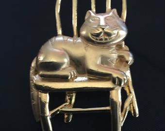 Cat in Chair Pin