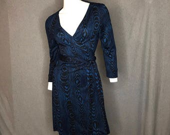 DIANE von FURSTENBERG Printed Wrap Dress Size: 6