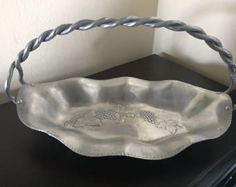 Everlast Hammered Aluminum Dish