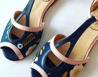Pia Blue (ch)  - Woman shoe sandals in blue and pink leather and fabric. Handmade in Argentina - Free shipping