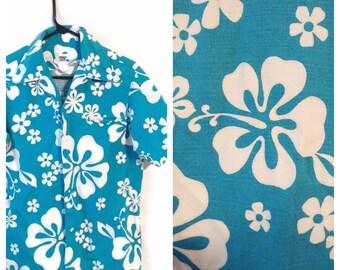 Vintage Hawaiian Hawaii 1960s Shirt size Small Blue white Cotton Flower Floral Aloha Pacific Isles