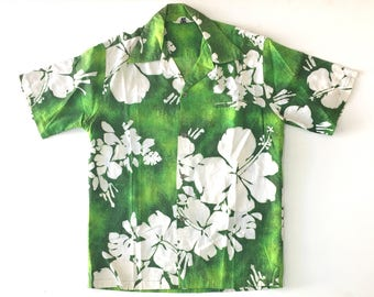 Fashions by MYRA Bark Clothe Hawaiian Flower Print Shirt. Sz M. Hawaii.