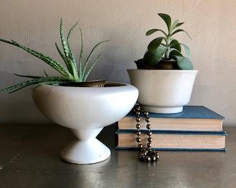 vintage matte white planters pair of 2 Haeger bone white