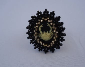 Ring sign horoscope cancer gold and black