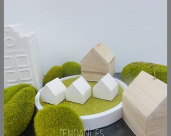sets of 3 houses decorated with ceramic or create