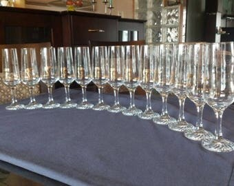 1976 Summer Olympic Games Glasses (Montreal) with Golden Logo (Set of 13)