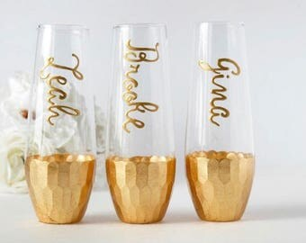 Wedding Champagne Flutes, Personalized Champagne Flutes, Bridal Party Gifts, Wedding Favors, Bridesmaid Proposal Gift Idea, Champagne Glass