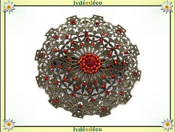 Retro pin vintage lace print hearts red orange tones brass weaving with Japanese beads