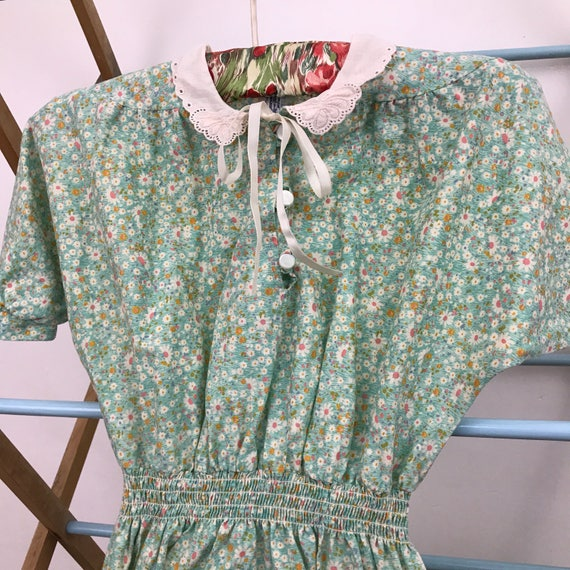 Vintage girls dress traditional style floral print dress blue 9 years childrenswear classic 1940s style 50s cotton chintz ditsy
