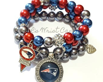 New England Patriots Bracelet,Beaded Bracelet, Football Bracelet, Charm Bracelet, Stretchy, Handmade, Custom Jewelry
