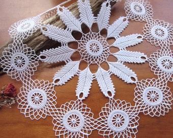 Vintage Doilies,  Crochet Napkins , Table  Linen , Antique  Doilies