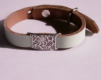 Light green, matt leather bracelet with silver plated leaves-slider