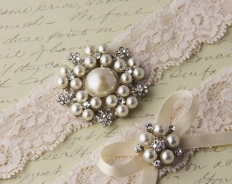 SUMMER SALE Lace Wedding garter set, Ivory Lace Bridal Garter set, Ivory Garter Set, Pearl Garter, Monogrammed Garters