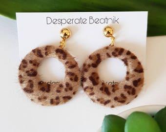 50s style leopard hoops earrings : light brown
