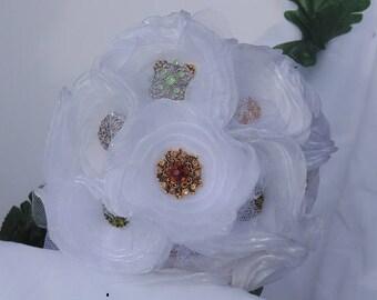 Brooch Bouquet|White Brooch Bouquet|Small Throw Bouquet|Antiqued Brooch Bouquet|Vintage Rosette Bouquet|Quinceanera Bouquet