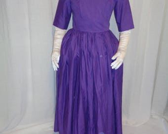 """18th Century Lady's """"Basic"""" Colonial-style dress"""
