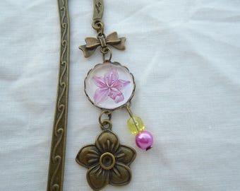 Bookmark cabochon pink flower