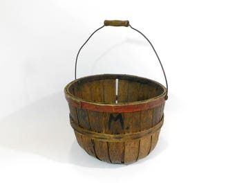 Primitive Wood Splint Apple Picking Basket with Wire Bail Handle, Orchard Basket with Initials on Side